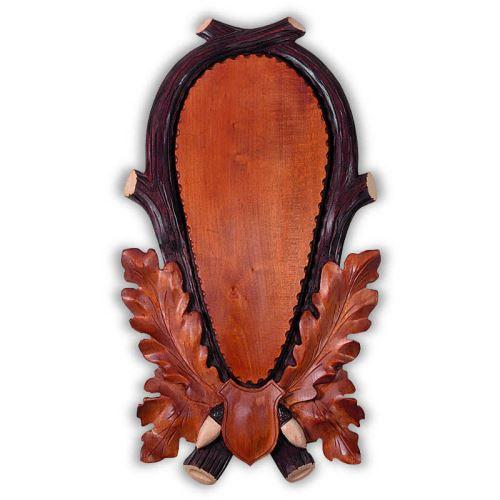 Podložka pod jelení trofej v kombinovaném odstínu, hluboká řezba